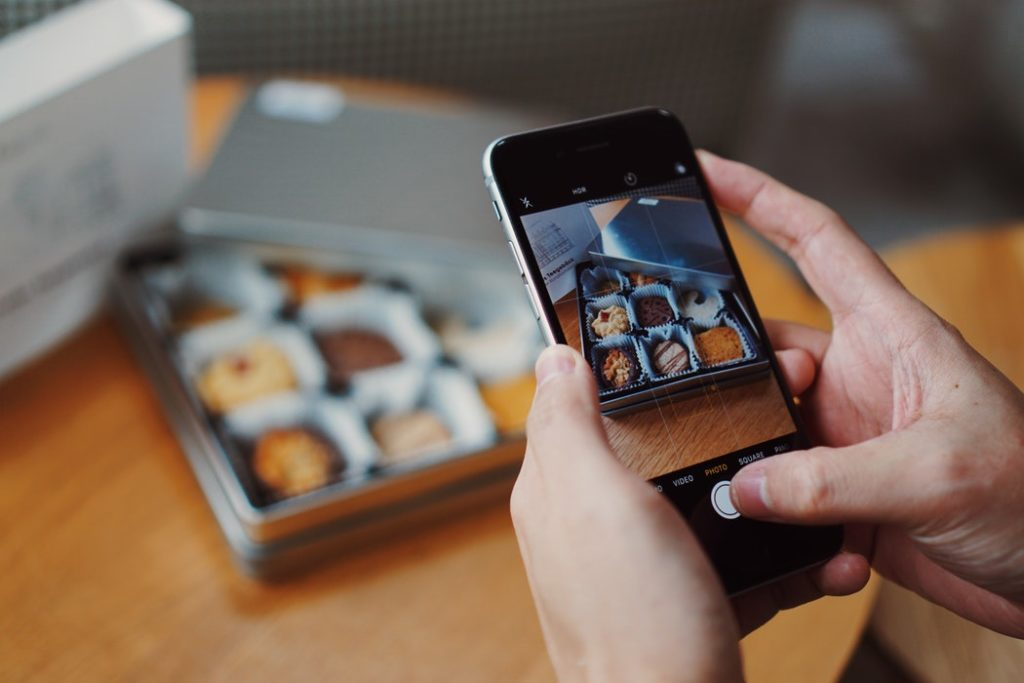 5 Tips To Take Better Food Photos Using Your Smartphone